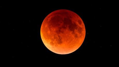 Blood_Wolf_Moon_Eclipse[1]